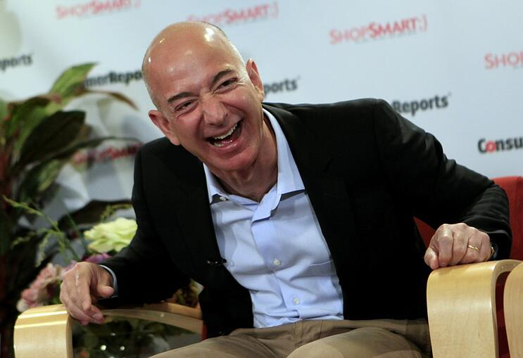 amazon-ceo-jeff-bezos-says-his-old-boss-at-hedge-fund-de-shaw-was-a-huge-inspiration.jpg
