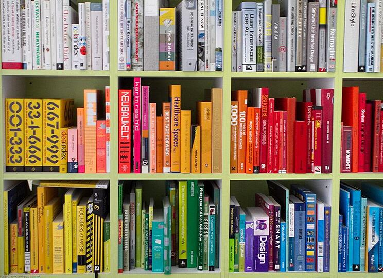 140210_EYE_Books-organized-by-color.jpg.CROP.original-original.jpg